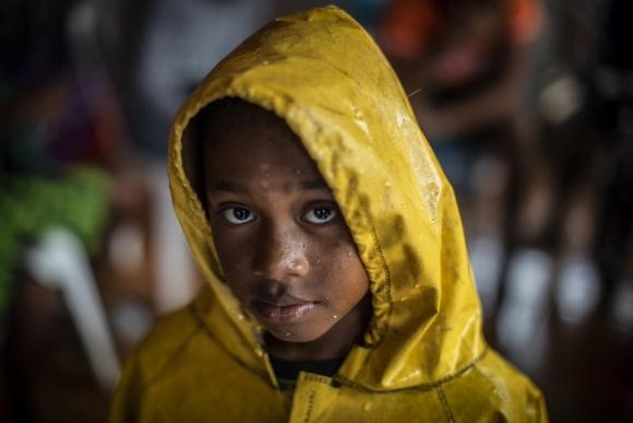 기후위기로 극심한 위험에 노출된 어린이 10억 명
